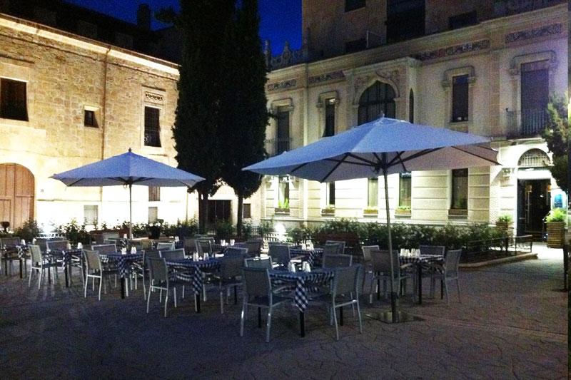 Terraza con encanto en Salamanca noche